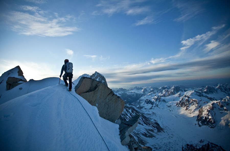 Tooth-Traverse_Renan-Ozturk-Photo1web